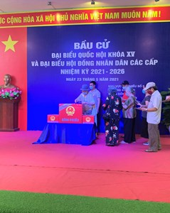 Rộn ràng không khí ngày hội bầu cử tại Hà Nội trong mùa dịch
