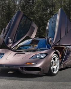Siêu xe 26 năm tuổi của McLaren có giá 20,5 triệu USD, trở thành chiếc xe được đấu giá đắt nhất năm