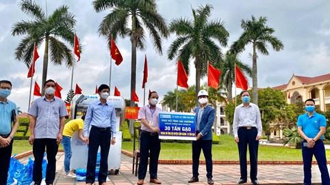Hòa Bình ủng hộ 30 tấn gạo, chung tay xây dựng cây ATM gạo giúp đỡ đồng bào tại Hải Dương