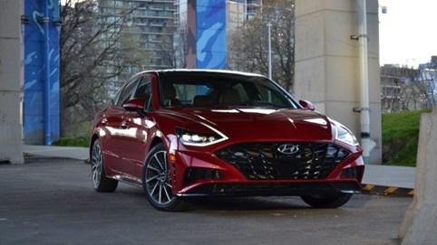 Top 10 nhà sản xuất ô tô được yêu thích nhất