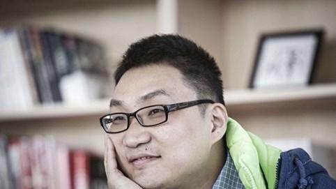 Tài sản tăng 25 tỷ USD, đối thủ của Jack Ma đột ngột từ chức