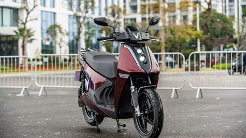 Vinfast ra mắt hai mẫu xe máy điện đắt nhất thị trường