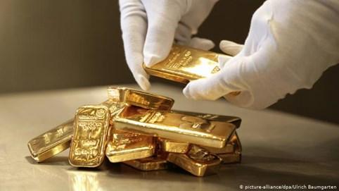 """""""Cơn điên"""" tăng giá kết thúc, vàng thế giới rơi thẳng đứng"""