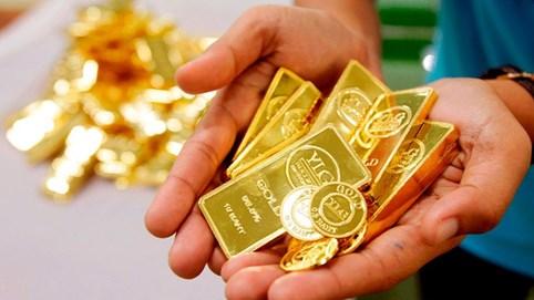 """Vàng và USD """"nắm tay"""" cùng đi xuống"""