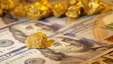 Giá vàng trong nước tăng gần 2 triệu đồng/lượng, người bán không còn phải chờ 9 ngày mới nhận tiền