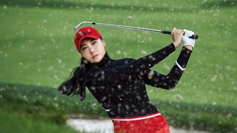 """Nữ golf thủ """"đốt mắt"""" nam giới: Dáng chuẩn, mặt xinh cùng thân hình gợi cảm, golfer tài năng xứ Hàn nhiều fan hâm mộ hơn cả siêu mẫu"""