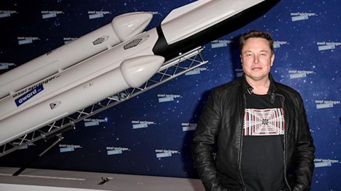 Tài sản Elon Musk chạm mốc 230 tỷ USD, giàu bằng Bill Gates và Warren Buffett cộng lại