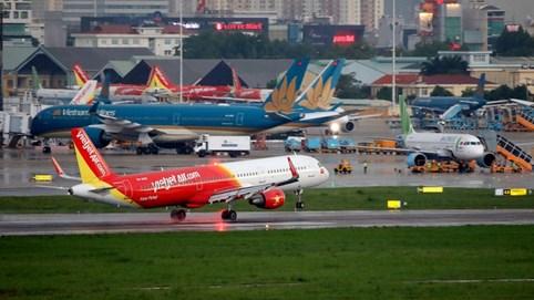 Thủ tướng: Tăng tần suất chuyến bay quốc tế có kiểm soát