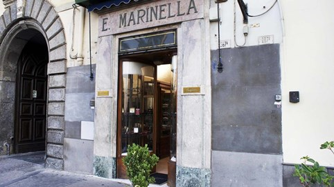 E. Marinella: Thương hiệu cà vạt nổi tiếng Italy, duy trì sức ảnh hưởng hơn một thế kỷ chỉ từ cửa hàng bé bằng chỗ đậu xe