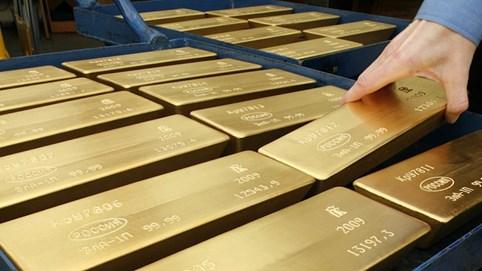 Vàng chính thức vượt mốc 1.800 USD