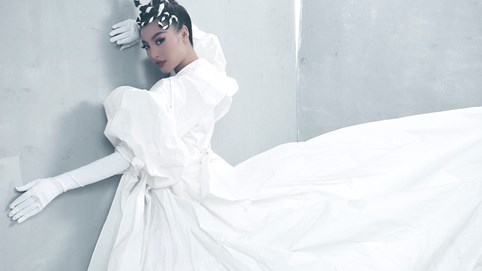 Sau rap, Á hậu Kiều Loan thử sức với EDM