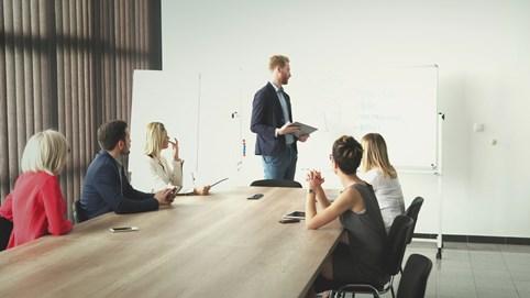 Một số vấn đề về hội đồng thành viên trong công ty trách nhiệm hữu hạn
