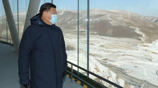"""Ông Tập Cận Bình mặc áo khoác """"nghìn đô"""": Dân Trung Quốc không quan tâm, nhưng 1 công ty """"thắng đậm"""""""