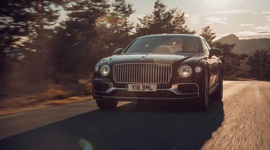 Hành trình viễn du xa hoa cùng Bentley Flying Spur