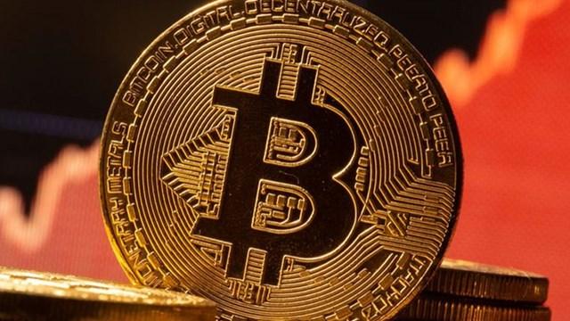comerțul împotriva btc sau usd strategia bitcoin etf