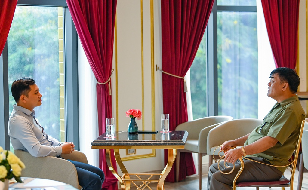 Chủ tịch Tập đoàn Hòa Bình: Không thích vàng và sẽ hiến 90% tài sản - Ảnh 8