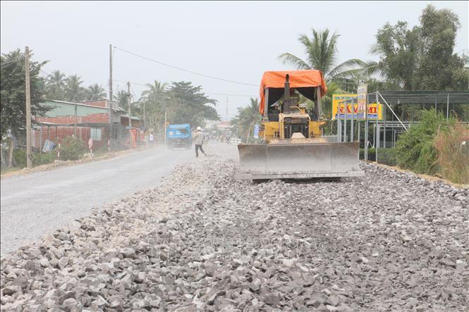 Thi công dự án cải tạo nâng cấp Quốc lộ 57.