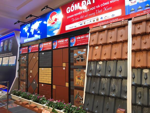 Các sản phẩm của Gốm Đất Việt tại gian trưng bày