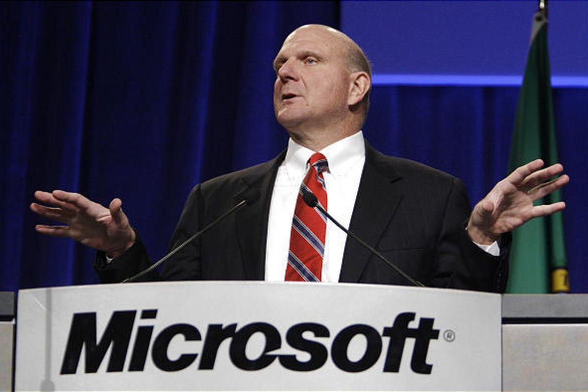"""Cựu CEO Microsoft gia nhập """"câu lạc bộ"""" tỷ phú có tài sản hơn 100 tỷ USD."""