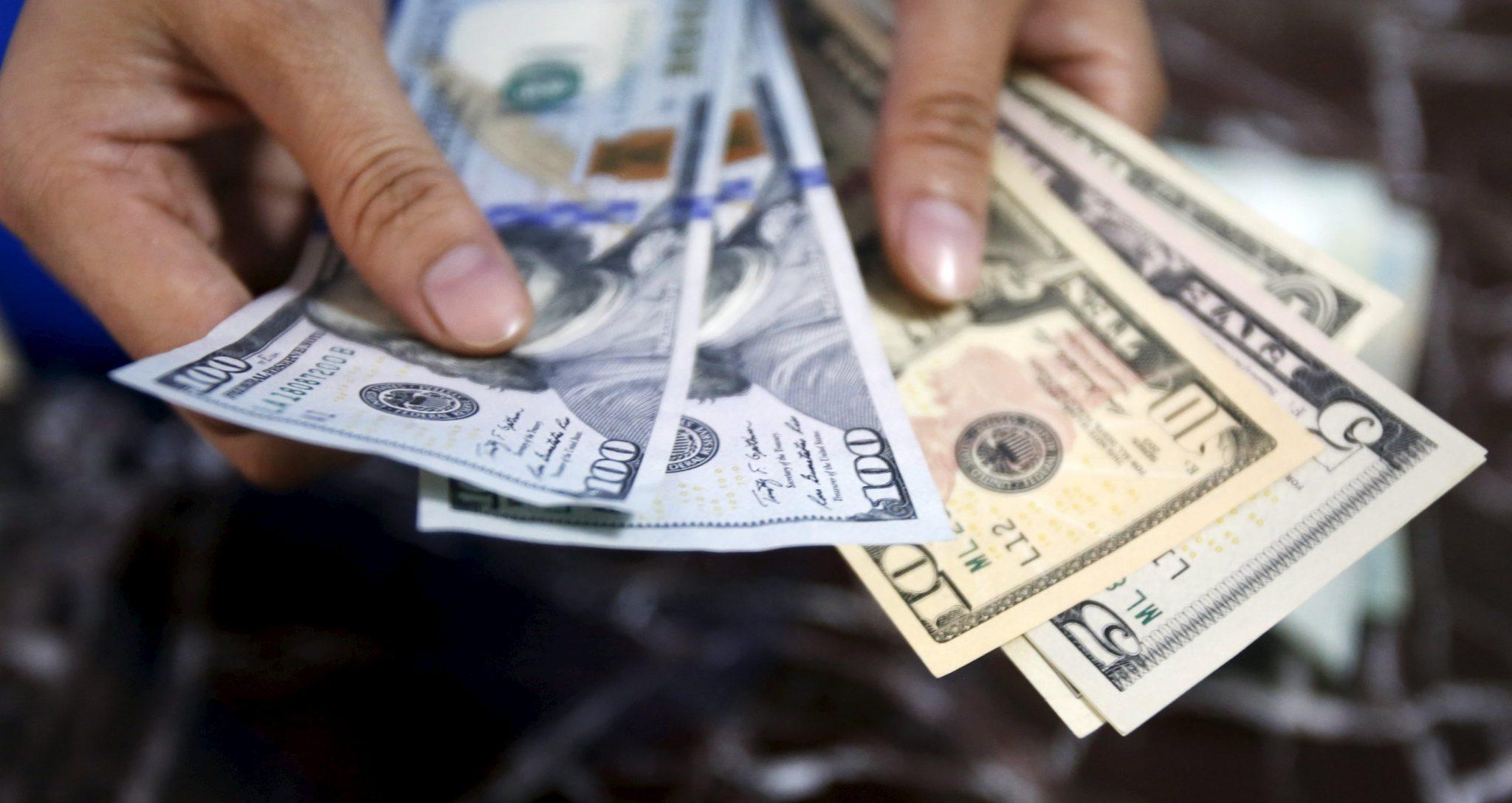 Thu nhập của các CEO Mỹ cao gấp 300 lần so với lao động bình thường.