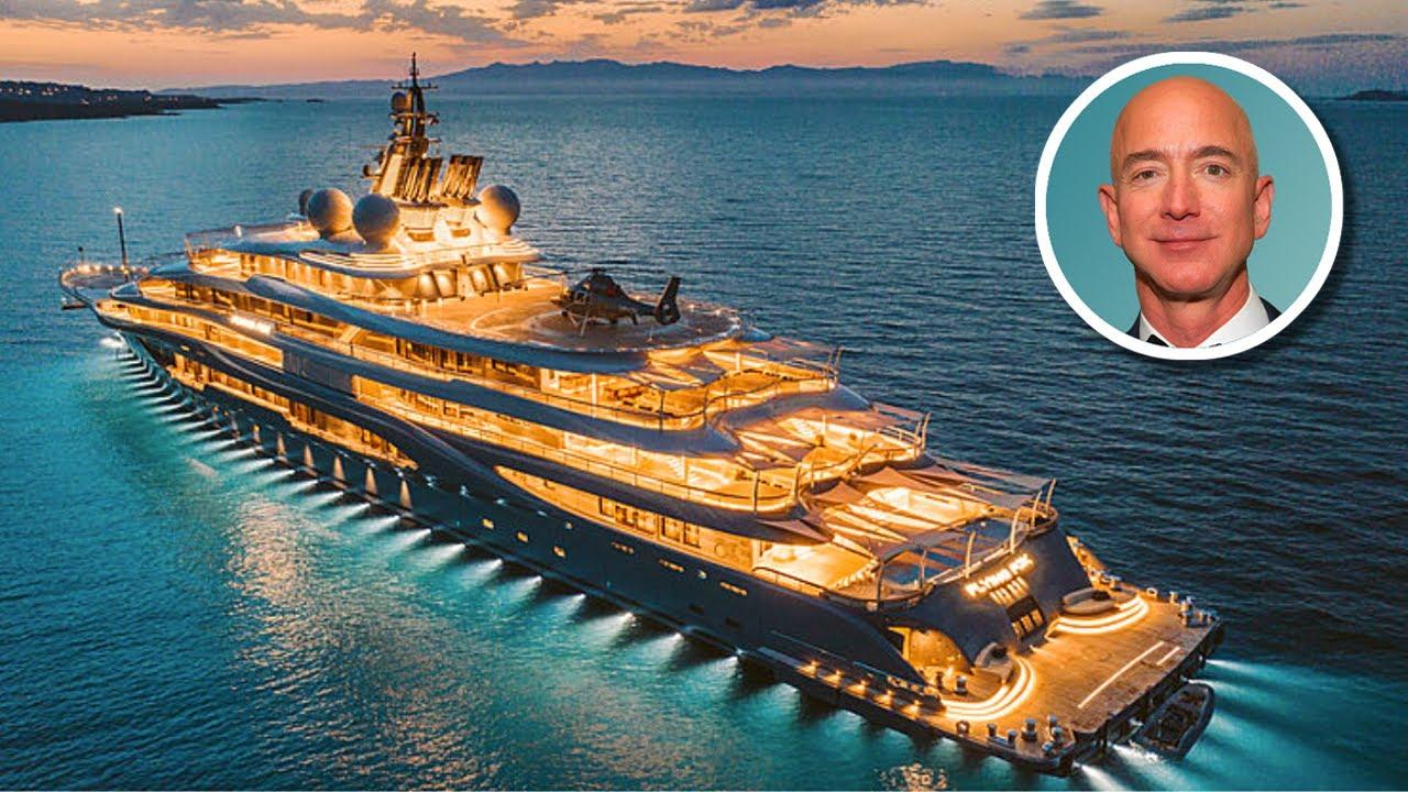 Tỷ phú Jeff Bezos được cho là đang đóng một du thuyền khổng lồ trị giá hơn 500 triệu USD. Ảnh: Youtube.