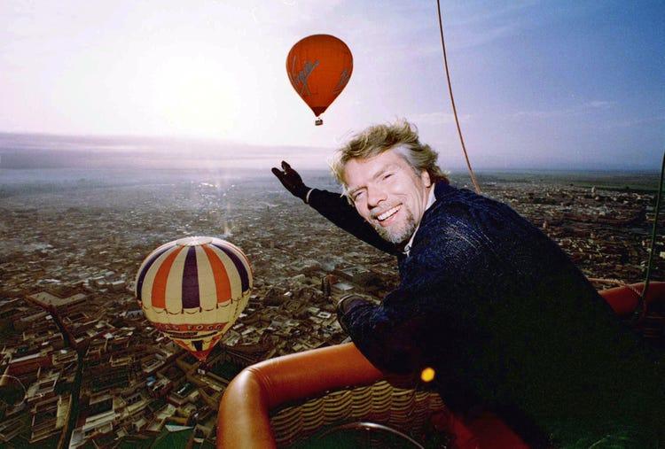 Tỷ phú Branson đam mê mạo hiểm và từng tài trợ cho dự án vượt đại dương bằng khinh khí cầu. Ảnh: Business Insider