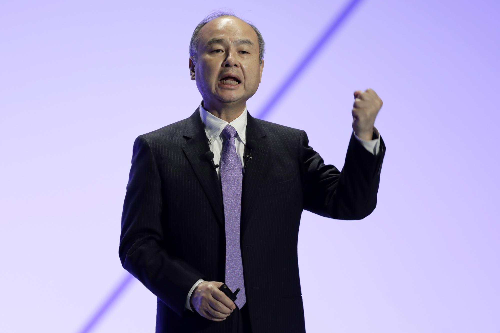 Nhiều người cho rằng sự độc đoán củaMasayoshi Son là một trong những nguyên nhân chính khiến nhiều nhân tài rời bỏ Softbank. Ảnh: Bloomberg.