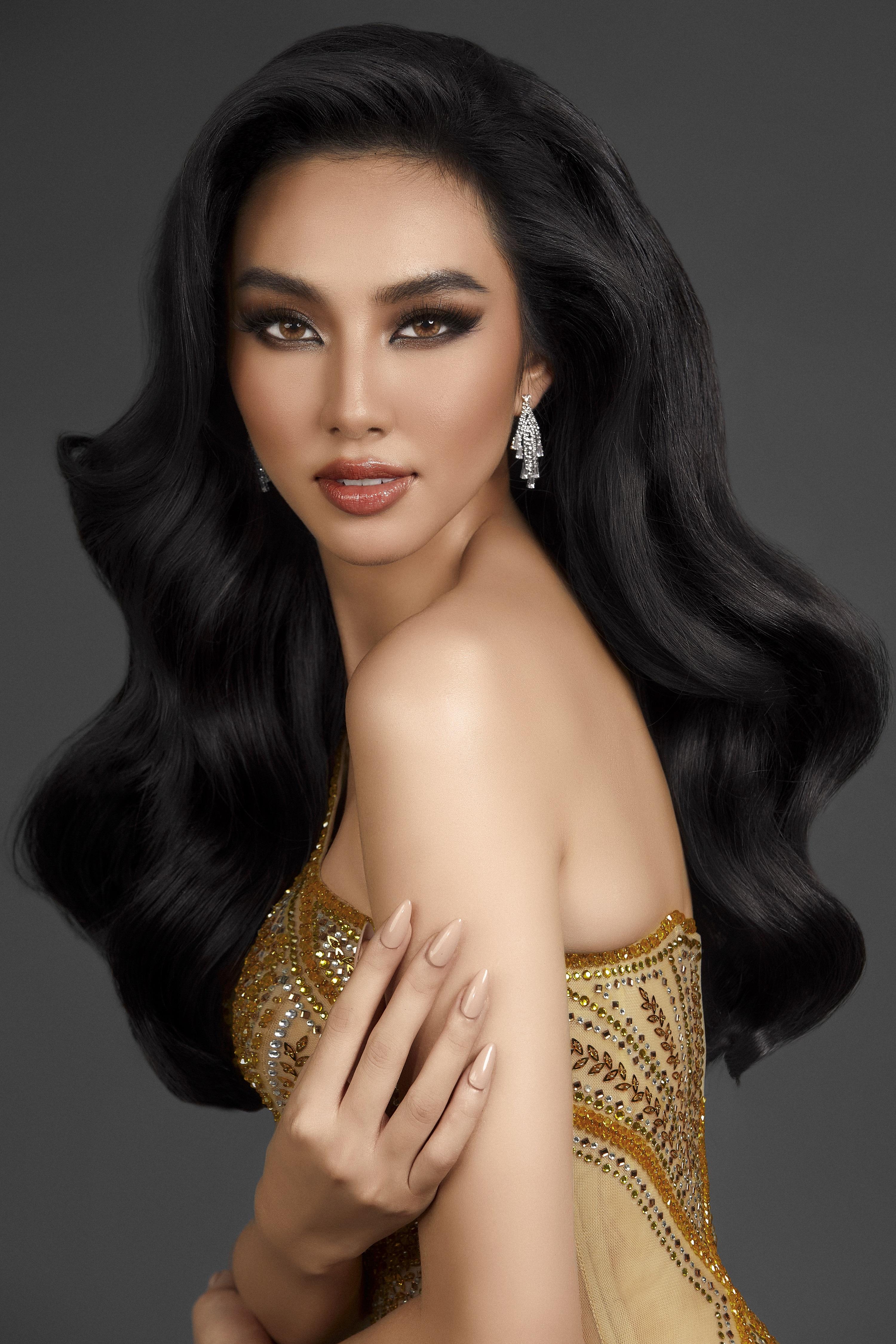 Với khả năng ngoại ngữ, sự tự tin Thùy Tiên đang được đánh giá cao là ứng cử viên sáng giá tại Miss Grand International 2021.