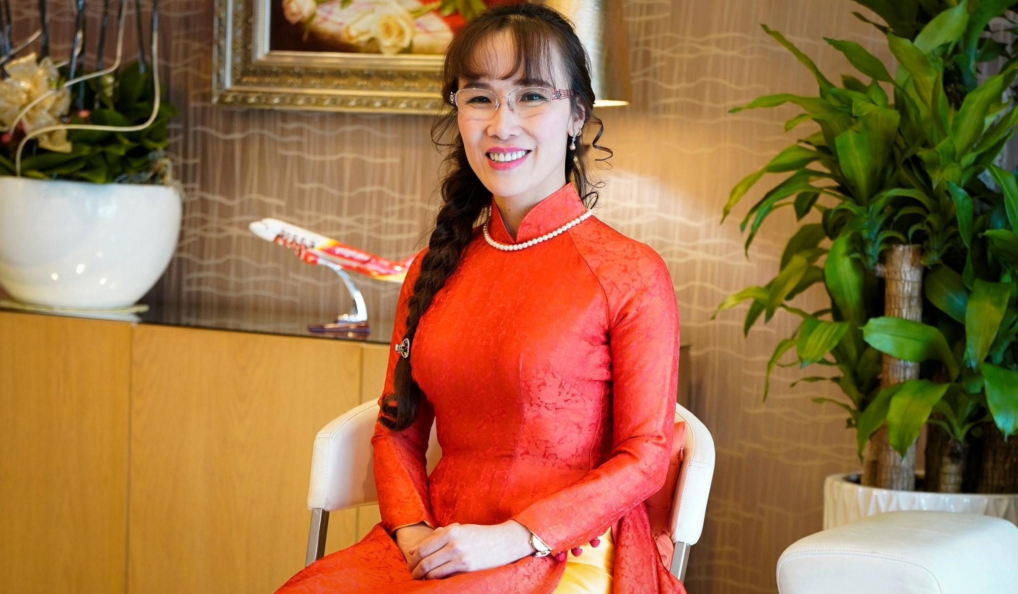 Tỷ phú Vietjet Nguyễn Thị Phương Thảo: Phụ nữ hãy cứ cố gắng gấp 3 người thường! - Ảnh 11