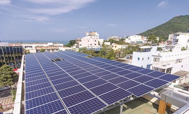 Bộ Công Thương tiếp tục đề xuất bổ sung mới 7.110 MWp điện mặt trời - Ảnh 1