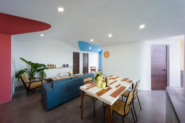 Sau 2 năm cho thuê làm văn phòng, căn hộ đã bị hư hỏng một phần. Phương án bố trí hiện tại cũng nảy sinh một số vấn đề khi thay đổi mục đích sử dụng.