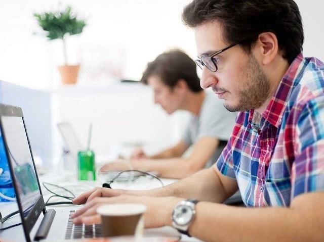 Học một kỹ năng mới có thể giúp tái tạo năng lượng và đồng thời có ích cho hồ sơ xin việc của bạn. Ảnh:Flickr