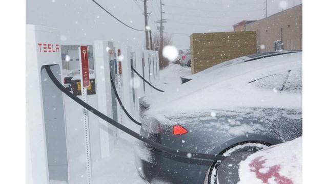 Nỗi khổ của xe điện trong mùa đông: Thời lượng pin là ẩn số, không dám bật máy sưởi hay điều hòa - Ảnh 2