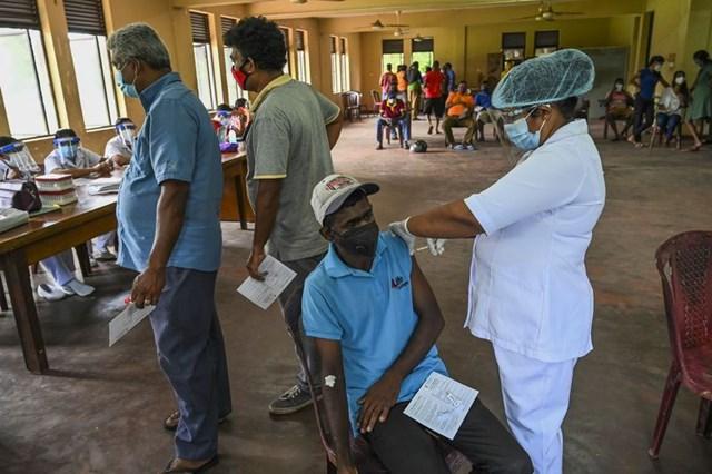 Với năng lực sản xuất vaccine khổng lồ, Ấn Độ đã gửi hàng triệu liều đến các nước láng giềng. Ảnh:Bloomberg.