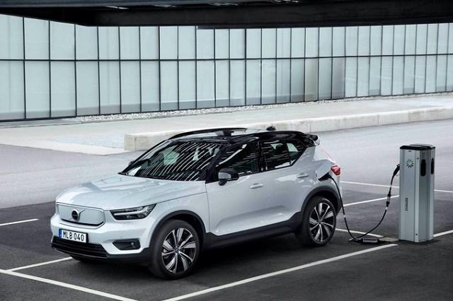 C40 Recharge, mẫu SUV phong cách coupe thuần điện với tầm hoạt động 420 km.