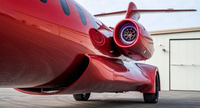 Limo lai máy bay đầu tiên thế giới: Giá không dưới 115 tỷ, hát karaoke trên trời, tặng kèm xe bán tải - Ảnh 3