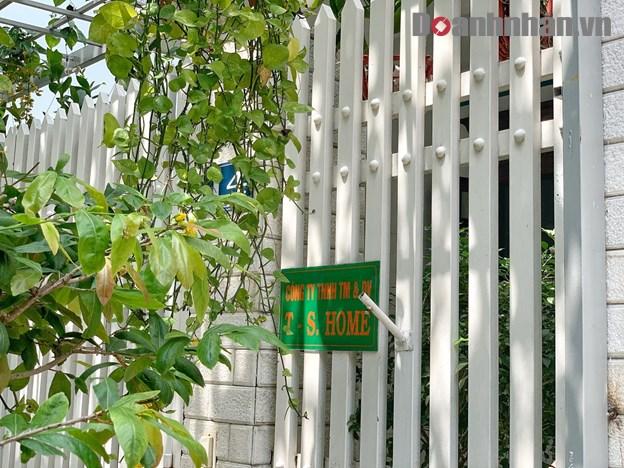 Biển hiệu Công ty TNHH TM và DV T-S Home tại quận 7, TP HCM. Ảnh: Hoài Nhân