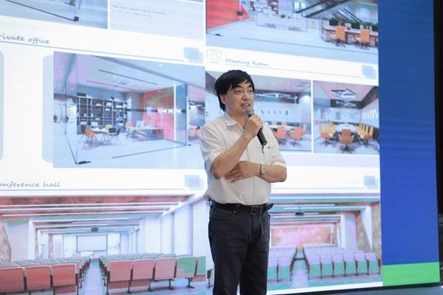 Ông Nguyễn Ngọc Toàn - Phó Tổng Giám đốc Công ty Hàng không Vietstar Airlines chia sẻ về nhóm ngành Hàng không tại Nova College.