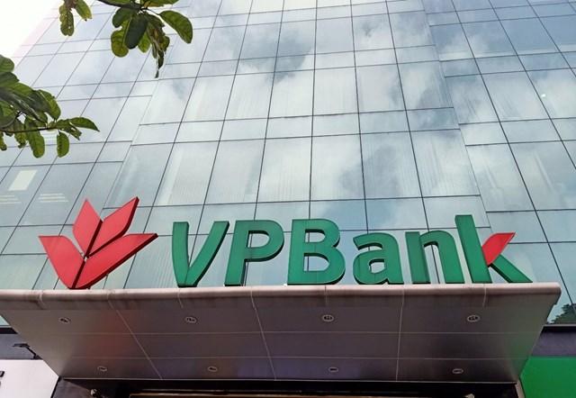 """Bán FE Credit với giá """"khủng"""", cổ phiếu VPBank lên đỉnh lịch sử với thanh khoản kỷ lục - Ảnh 1"""