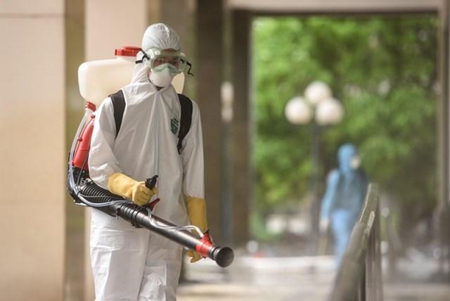 Bắt buộc khử trùng bằng dung dịch Cloramin B trong khuôn viên khu, điểm du lịch với tuần suất 4 lần/tháng.