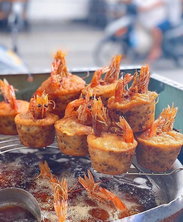 Khám phá sản vật miền nam Việt Nam (Kỳ 22): bánh pía Vũng Thơm, bánh phồng tôm Bãi Xàu, bánh cống Đại Tâm, cốm dẹp Sóc Trăng  - Ảnh 2