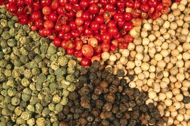 Tiêu phú Quốc có nhiều loại, phân biệt rõ nhất nhờ màu sắc.