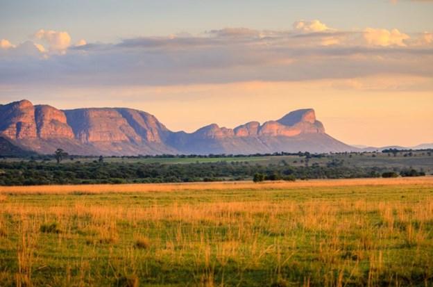 Bình minh trên rặng núi Waterberg tại Limpopo
