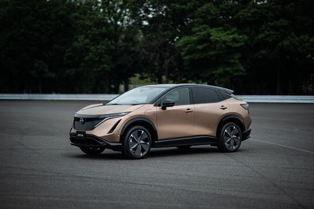 Với Ariya, Nissan đang mở ra chương tiếp theo trong chiến lược điện hóa - khi đây là chiếc SUV chạy hoàn toàn bằng điện đầu tiên của hãng. Hãng xe Nhật cũng từng là một trong những hãng xe đầu tiên sản xuất một chiếc ôtô chạy điện hoàn toàn khi ra mắt mẫu Leaf vào năm 2010.