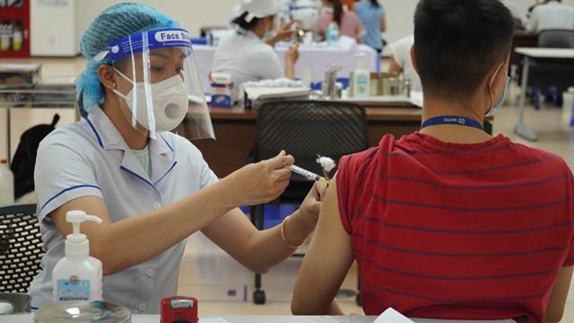 TP HCM triển khai tiêm 930.000 liều vắc xin trong đợt 5 từ 22/7 - Ảnh 1