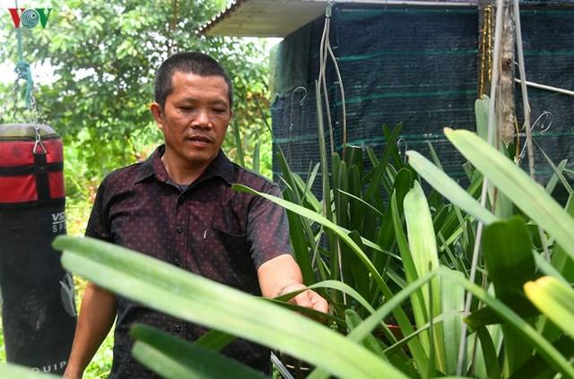 Ông Tạ Công Thực -Chủ tịch Hội nhà vườn hoa lan Đông La