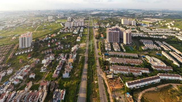 Hạ tầng khu vực thành phố Thủ Đức tương lai được đánh giá là chưa xứng đáng để phát triển các dự án 4.000-5.000 USD/m2. Ảnh:Quỳnh Danh.