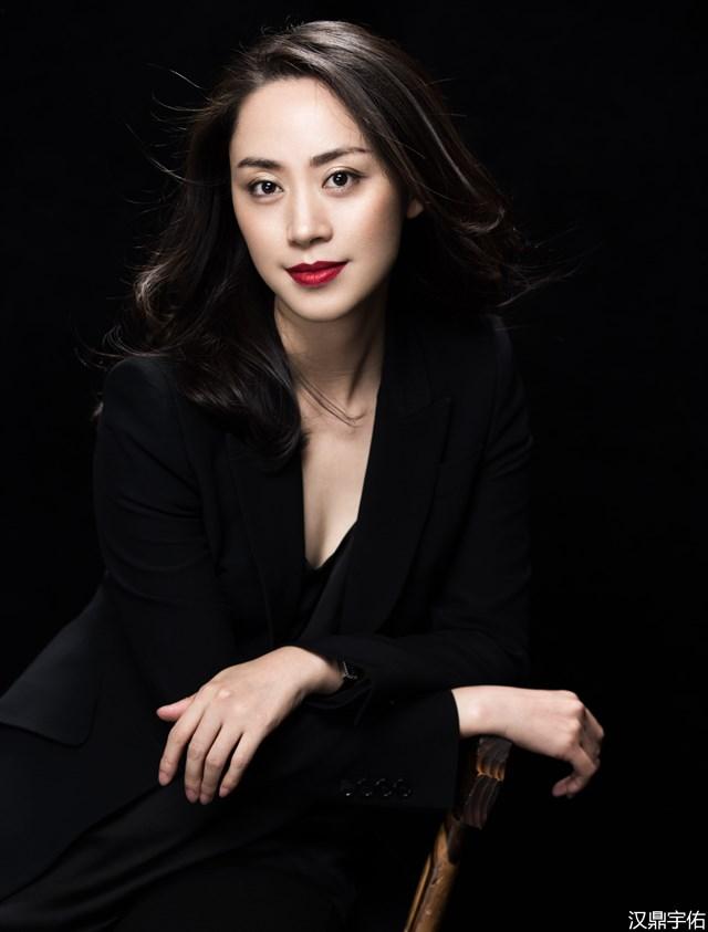 Chủ tịch 8X là một trong những nữ doanh nhân được ngưỡng mộ nhất xứ Trung.