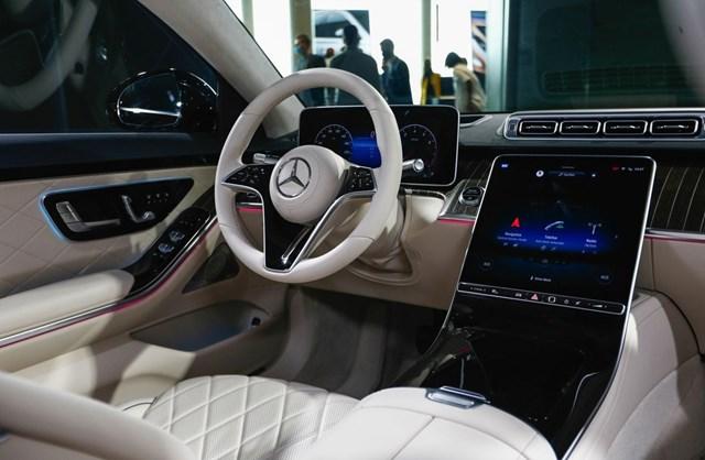 Xe hơi càng cao cấp, càng được trang bị nhiều công nghệ