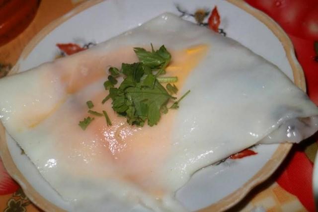 Bánh cuốn trứng Cao Bằng,